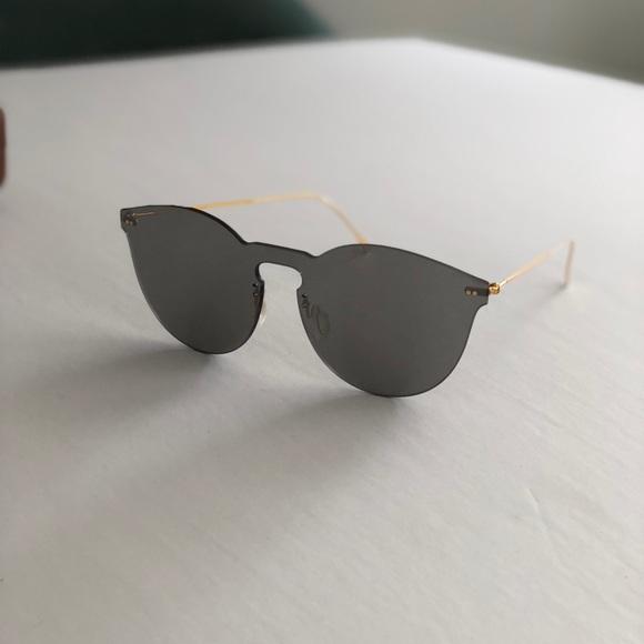 b350d2df58af Illesteva Leonard II Sunglasses. Illesteva. M_5abbbb0761ca10736f6ad0b7.  M_5abbbb0846aa7ca5ab59ce25. M_5abbbb0761ca10736f6ad0b7;  M_5abbbb0846aa7ca5ab59ce25